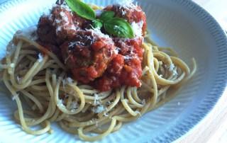 Fuldkornsspaghetti med Kødboller